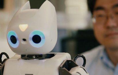 Robot helps development of autistic children
