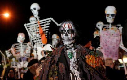 Halloween Parade 2016 – Best NY City Costumes