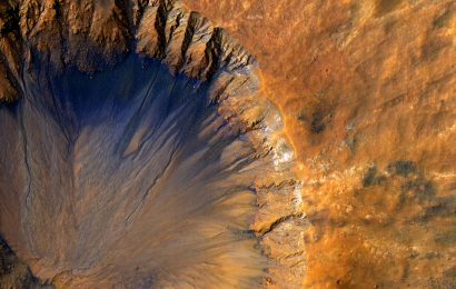 "New Study Reveals That the Flows of ""Water"" on Mars Might Actually be Sand"